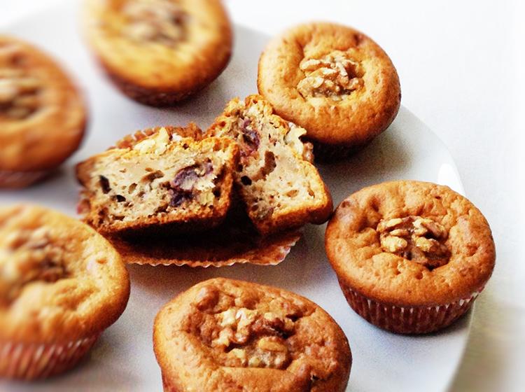 Joghurt-Dattel-Nuss-Muffins