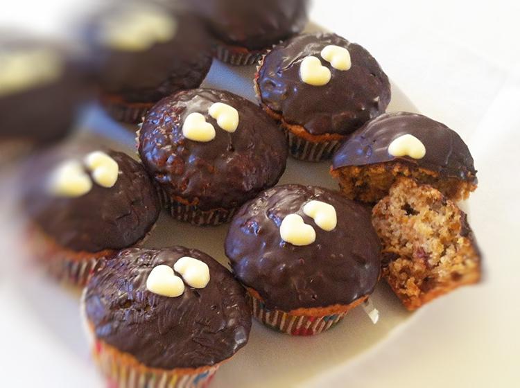 Karotten-Dattel-Nuss-Muffins