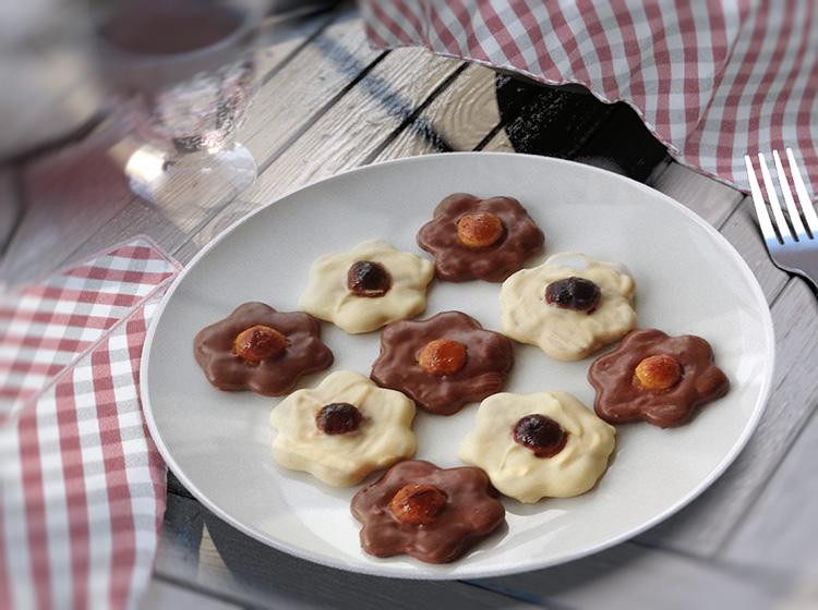 Schoko-Macadamia-Nuss-Plätzchen (für ca. 60 Stück)
