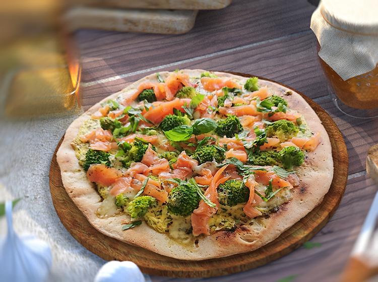 Gemüsepizza mit Lachs (für 4 Personen)