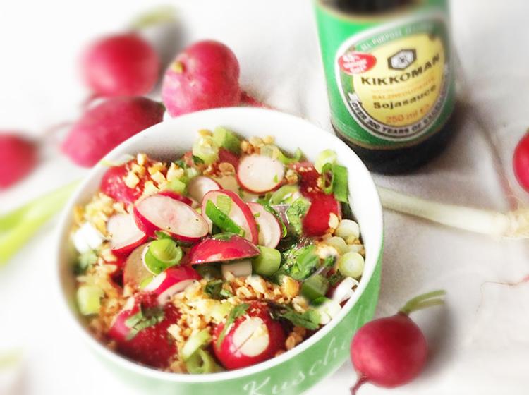 Radiesschensalat mit Erdnüssen